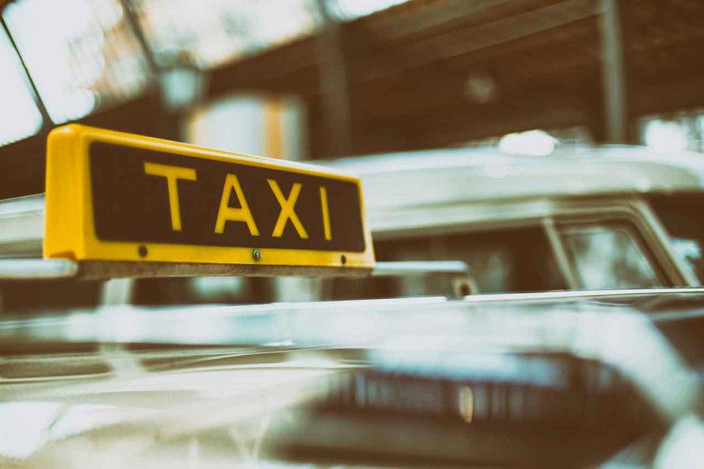 Flughafentransfer Taxi