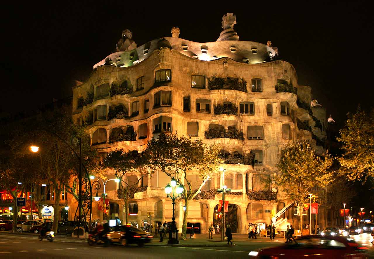 Casa Mila by Night Eintritt