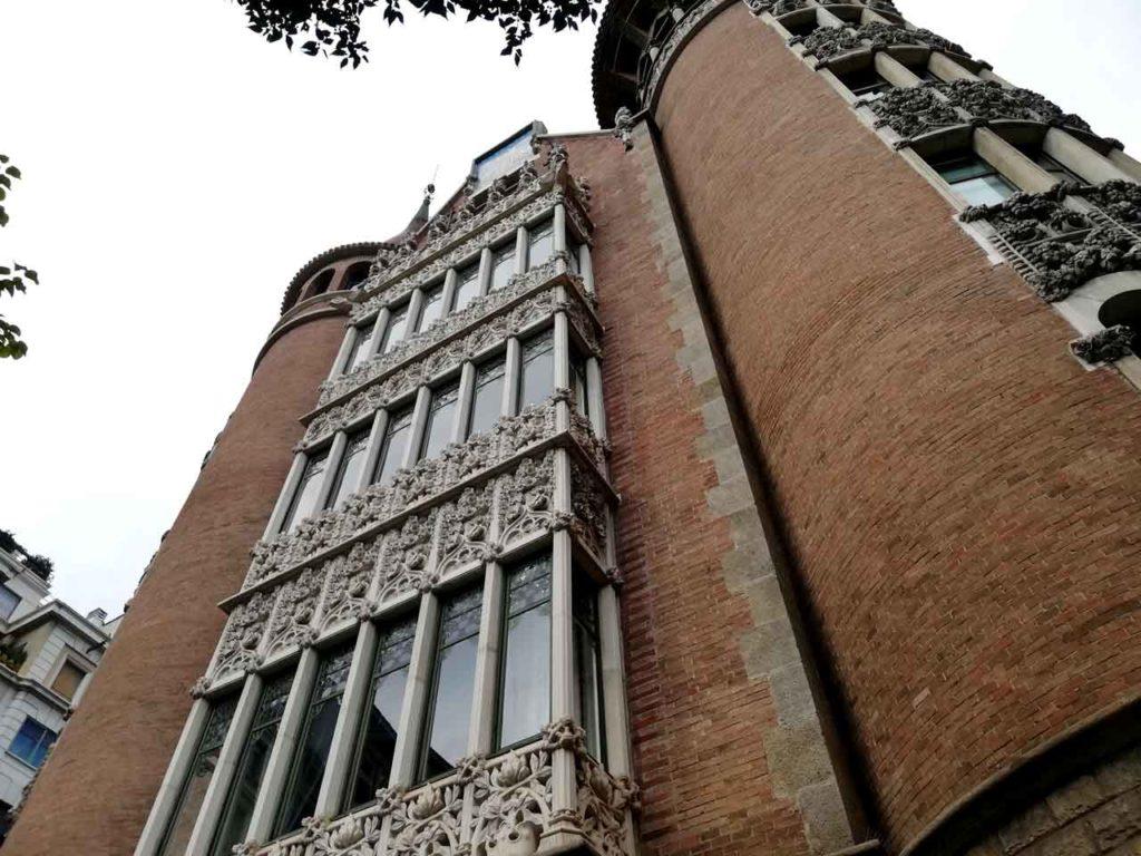 Casa de les Punxes Barcelona: Eintritt, Öffnungszeiten & Infos